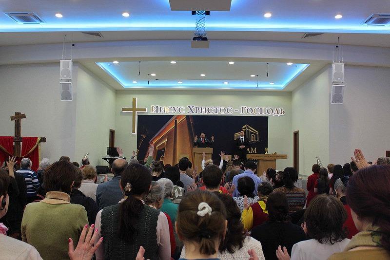 episkop-zhulio-frejtas-posetil-rossiyu-i-latviyu 9