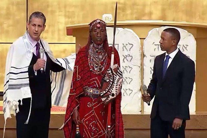 membro-tribo-massai